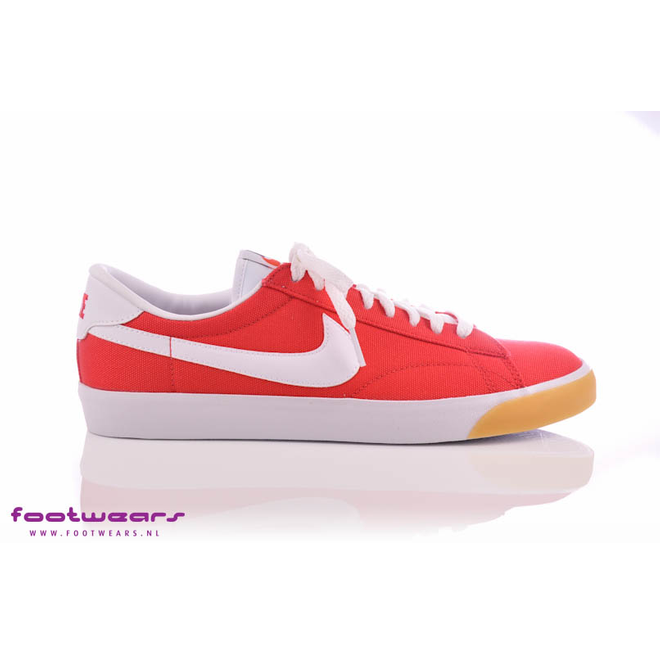 Nike Tennis Classic Unvrsty Red/white-gm Yllw-blk