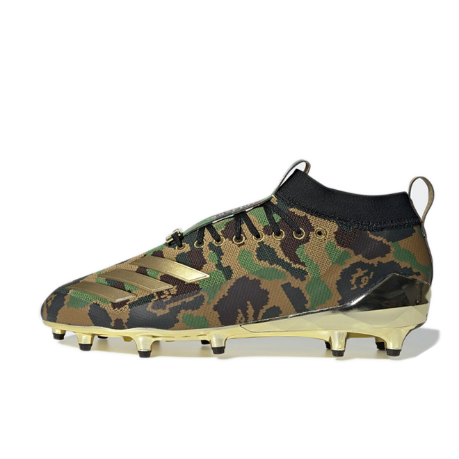 Bape X adidas American Football Cleats 'Camo' zijaanzicht