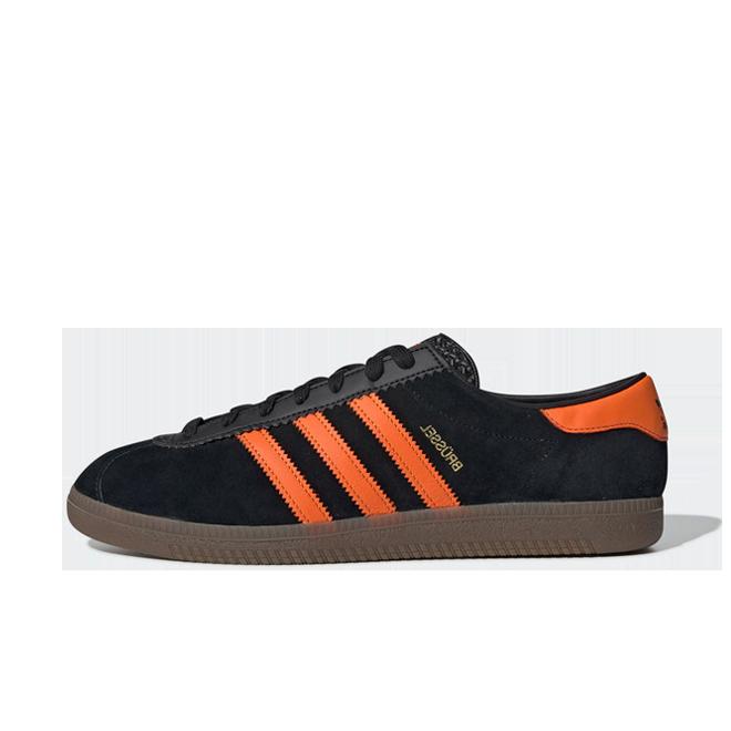 adidas Brussels 'Black Orange' zijaanzicht