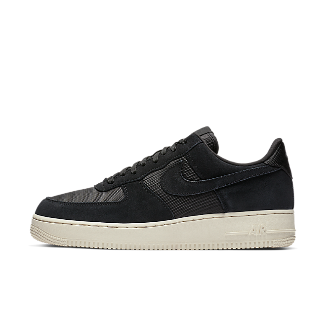 Nike Air Force 1'07 1  zijaanzicht