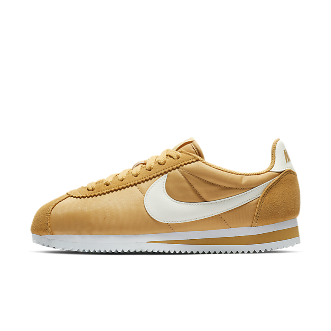 low priced 6681d 52447 Nike Wmns Classic Cortez Nylon (Club Gold / Sail - White) | 749864 701