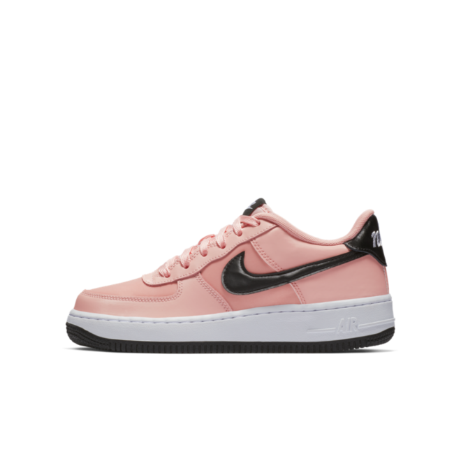 Nike Air Force 1 BG Valetine's Day 'Pink' zijaanzicht