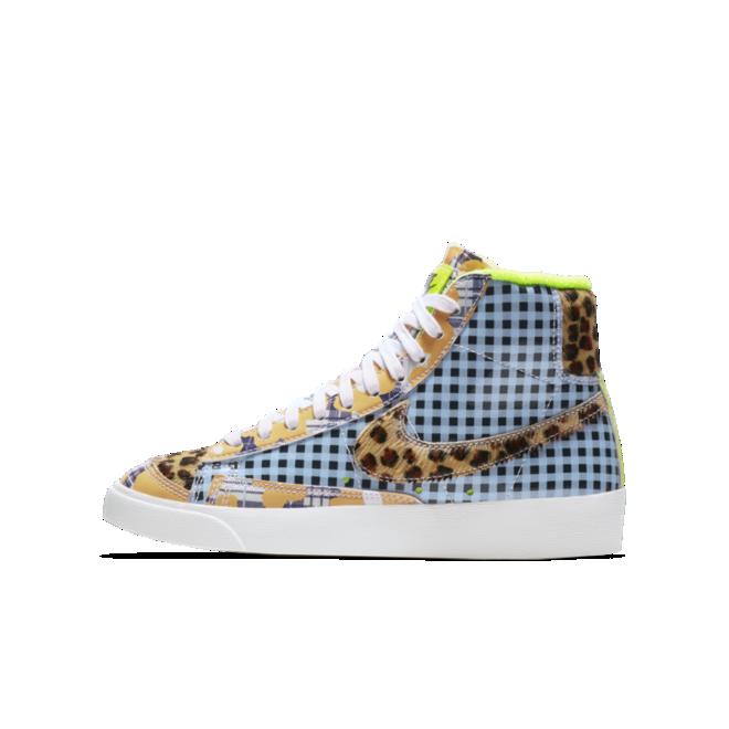Nike Blazer Mid Gel 'Blue Leopard' zijaanzicht