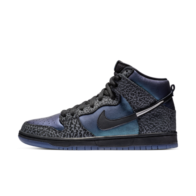Black Sheep X Nike SB Dunk High Pro 'Black Hornet' zijaanzicht