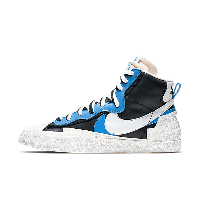 Sacai X Nike Blazer High 'University Blue' zijaanzicht