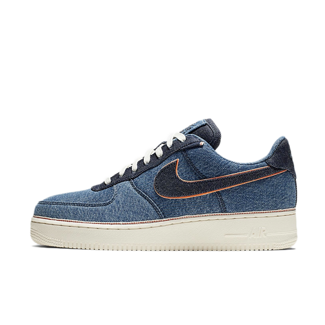 3x1 X Nike Air Force 1 '07 Premium 'Selvedge Denim' zijaanzicht