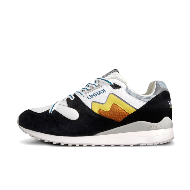 Karhu Synchron Classic Catch Of The Day 'Jet Black' zijaanzicht
