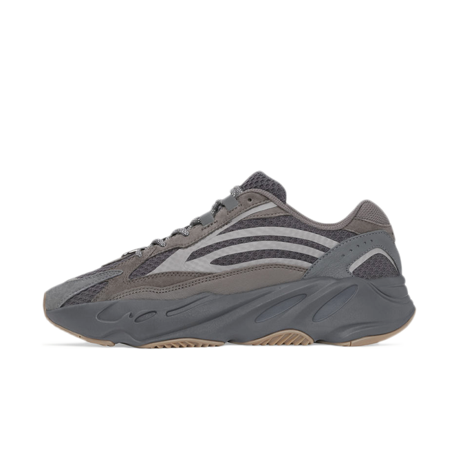 adidas Yeezy Boost 700 'Geode' zijaanzicht