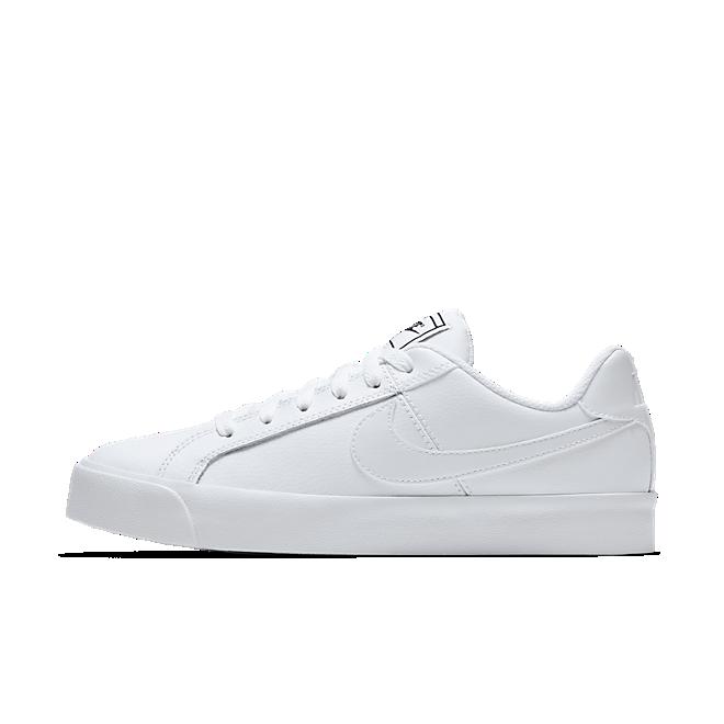 Nike Court Royale Platform