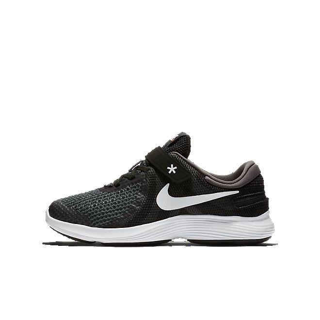 Nike Revolution 4 FlyEase