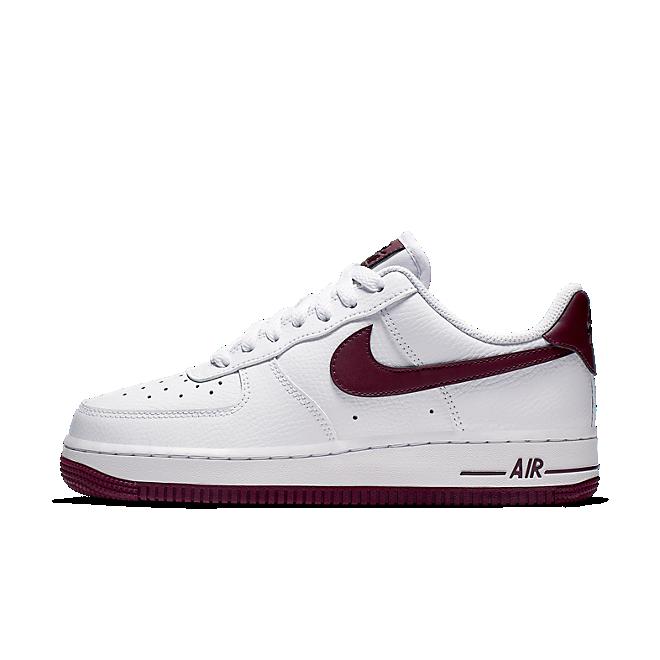 Nike Air Force 1'07 Patent  zijaanzicht