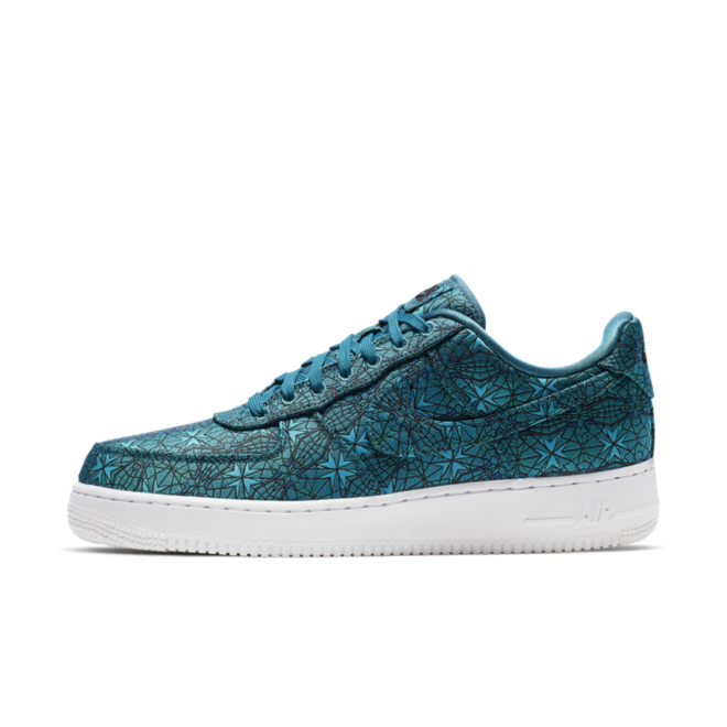 Nike Air Force 1 Low Premium 'Stained Glass' zijaanzicht