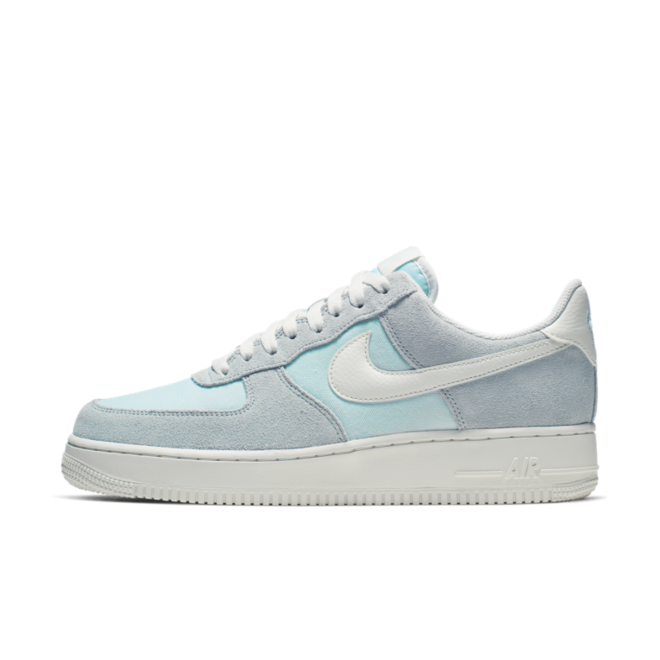 Nike Air Force 1 Low 'Ghost Aqua' zijaanzicht