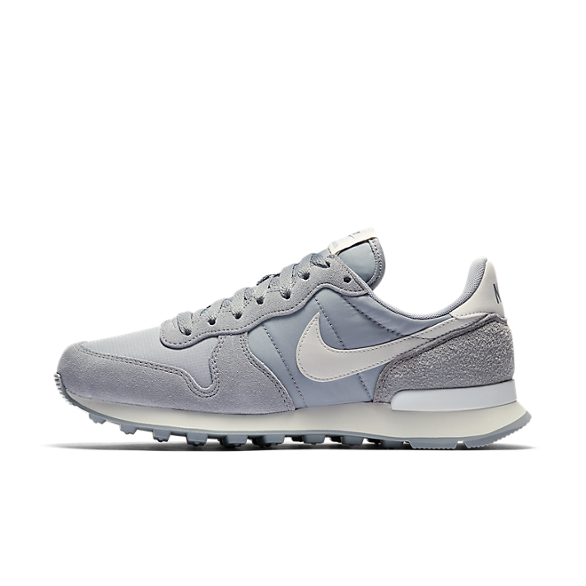 Nike WMNS Internationalist 'Wolf Grey' zijaanzicht