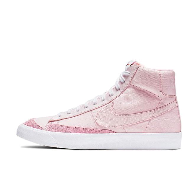 Nike Blazer Mid '77 Vintage WE 'Pink Foam' zijaanzicht
