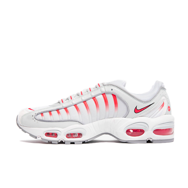 Nike Air Max Tailwind IV 'Red Orbit' zijaanzicht